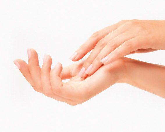 Cremas y cuidados para manos y pies