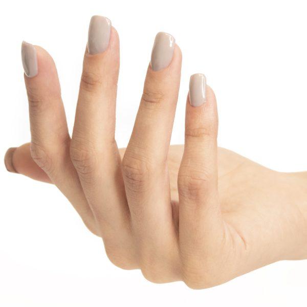 Esmaltes de uñas semipermanente on off grey clay
