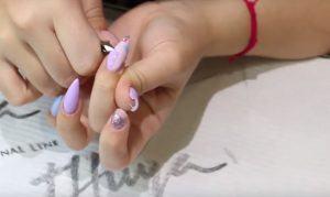 como retirar uñas construidas en casa